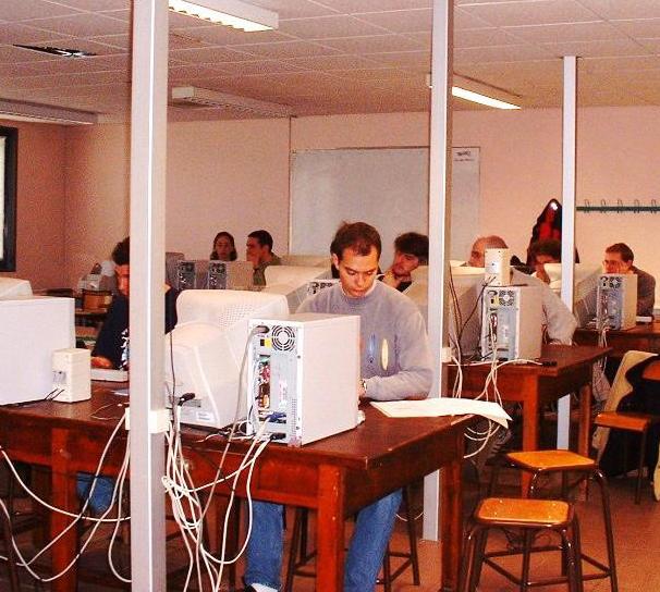 Les étudiants AgroTIC au travail en 2007